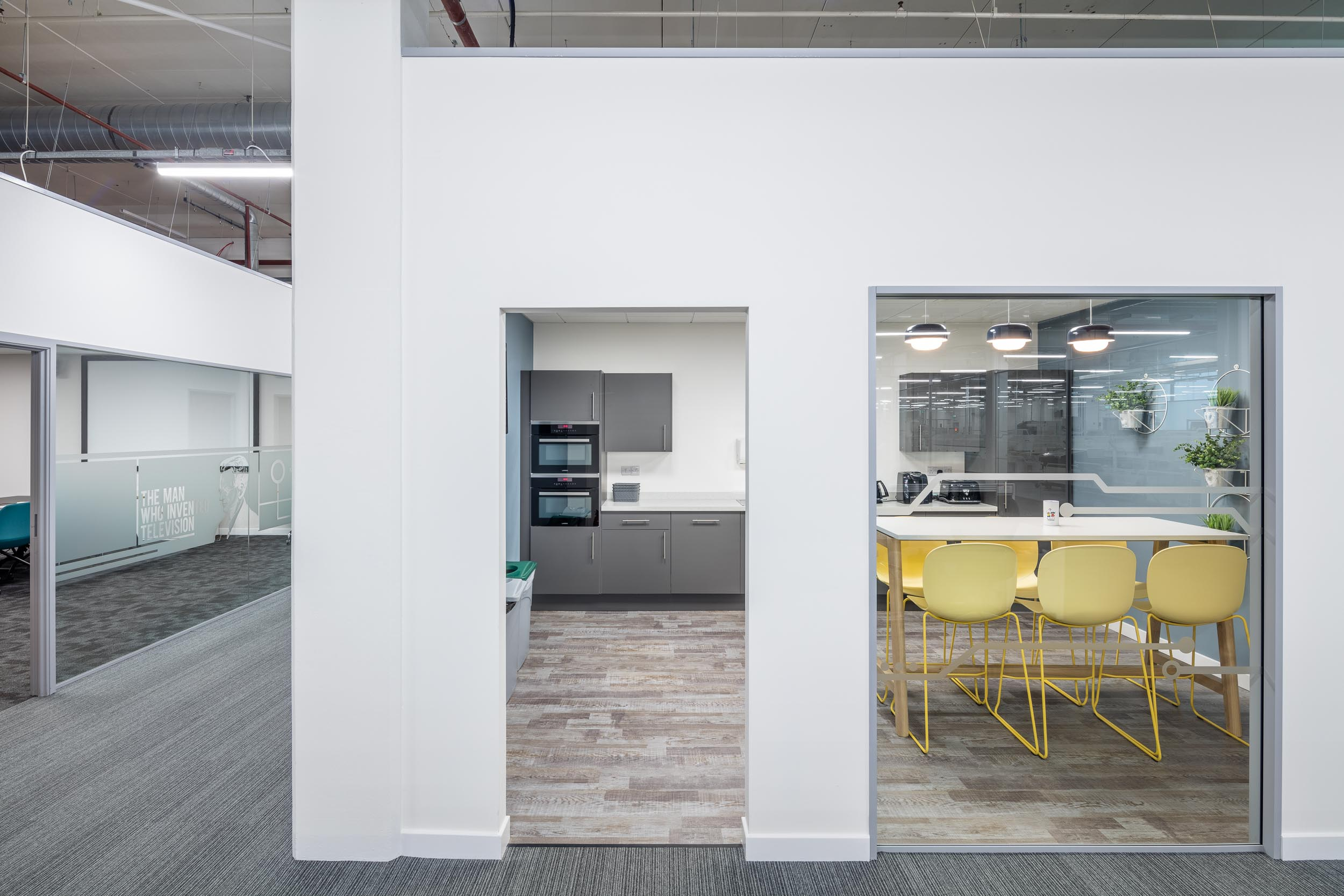 office partitioning walls glas and doors.jpg