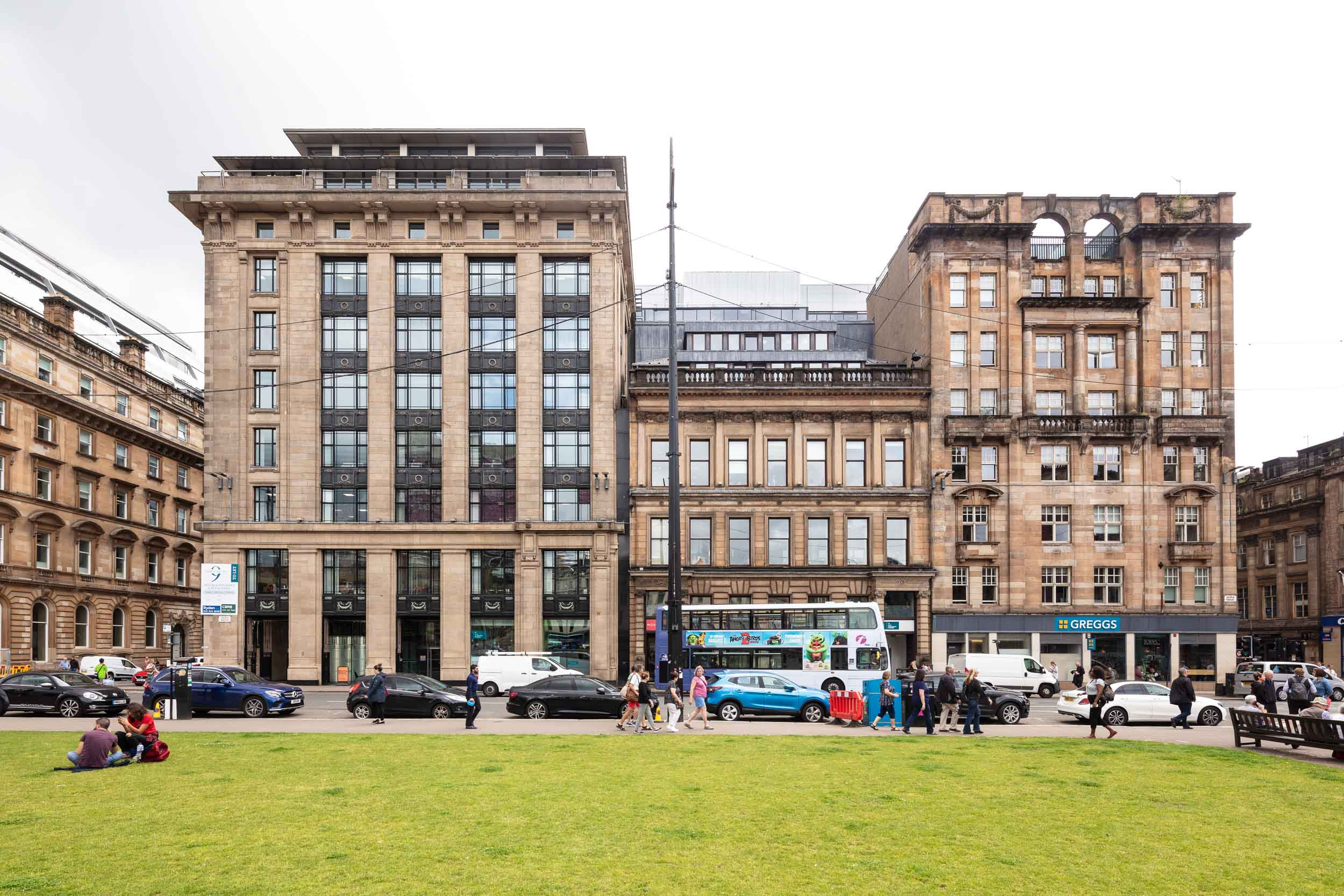 9 George Square is primely located in the heart of Glasgow's CBD. Adjacent to the City Chambers, immediate to Queen Street railway station and a few minutes walk from Glasgow Central station, Buchanan Street shopping, restaurant and leisure amenities and the Subway.