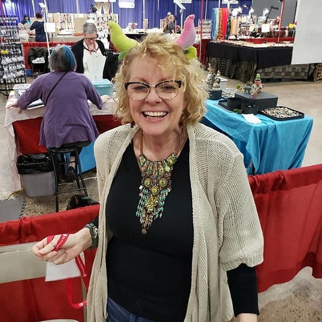 What a great time I had vending this past weekend at the #springibexpo #beadshow #girlshavingfun #beadingislife with @stacilouiseo @marshanealstudio @diane_hawkey @nikkithorberg-lanigan . We rocked it, with and without horns 👻💕🙌🏽💪🏼