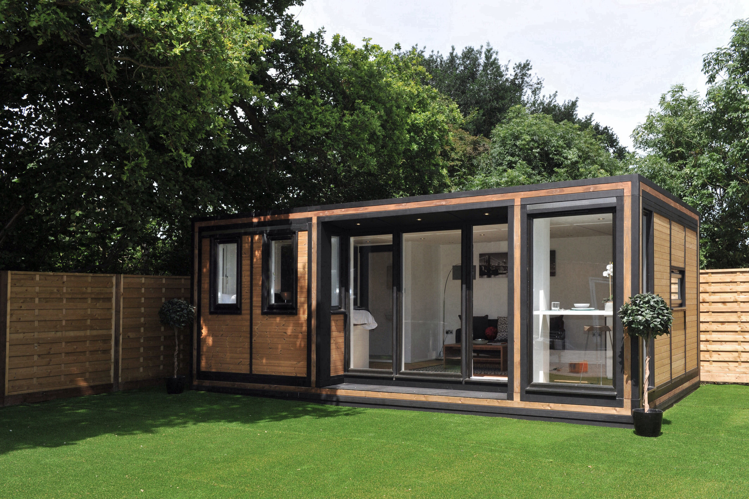 The optimal apartment in the garden, Zedbox 635 is the perfect self-contained annexe.