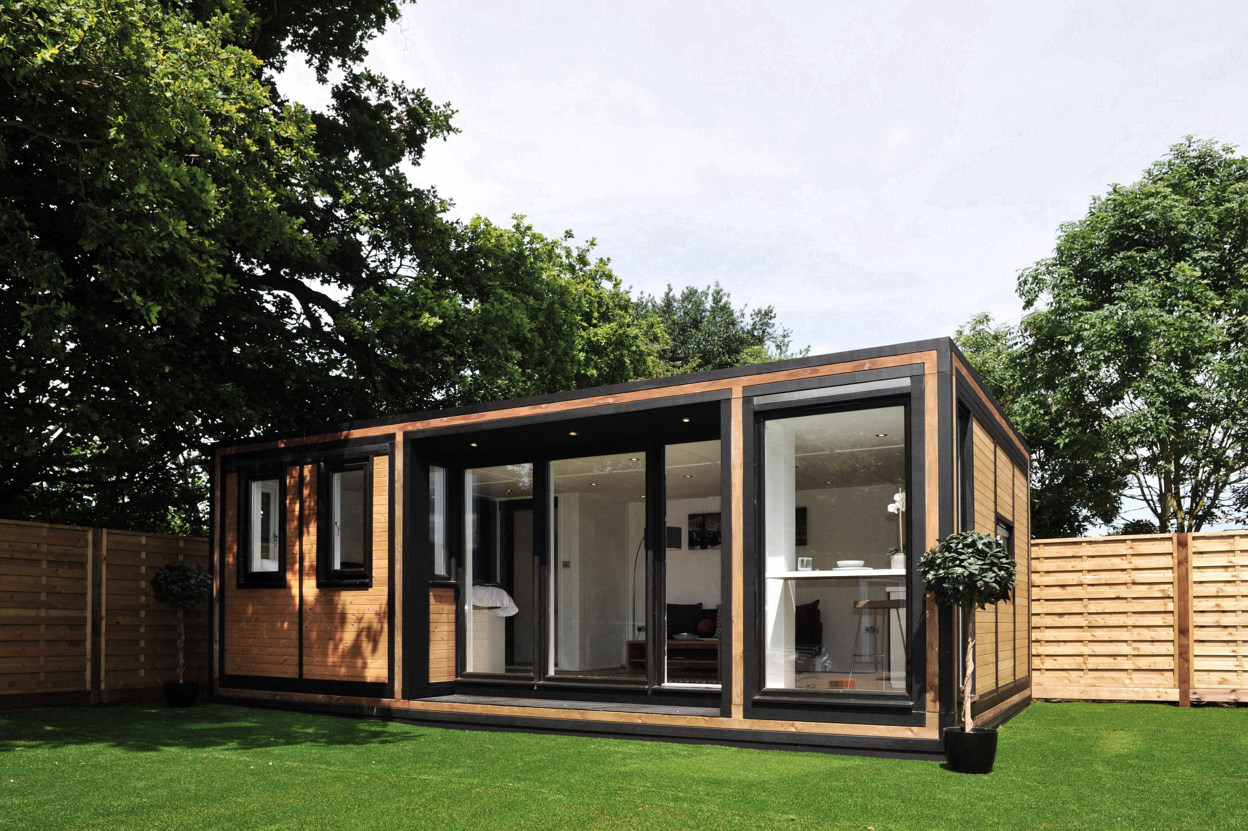 ZEDBOX 635  (6 x 3.5)  Internal Size: 6401 x 3791  External Size: 6871 x 4261  Bed Options: Single or Double  Kitchen Options: Micro Kitchen or Kitchen  Wet Room Options: Yes  Portico: Yes  Price:  £32,000    Optional Extras    Request Zedbox Catalogue