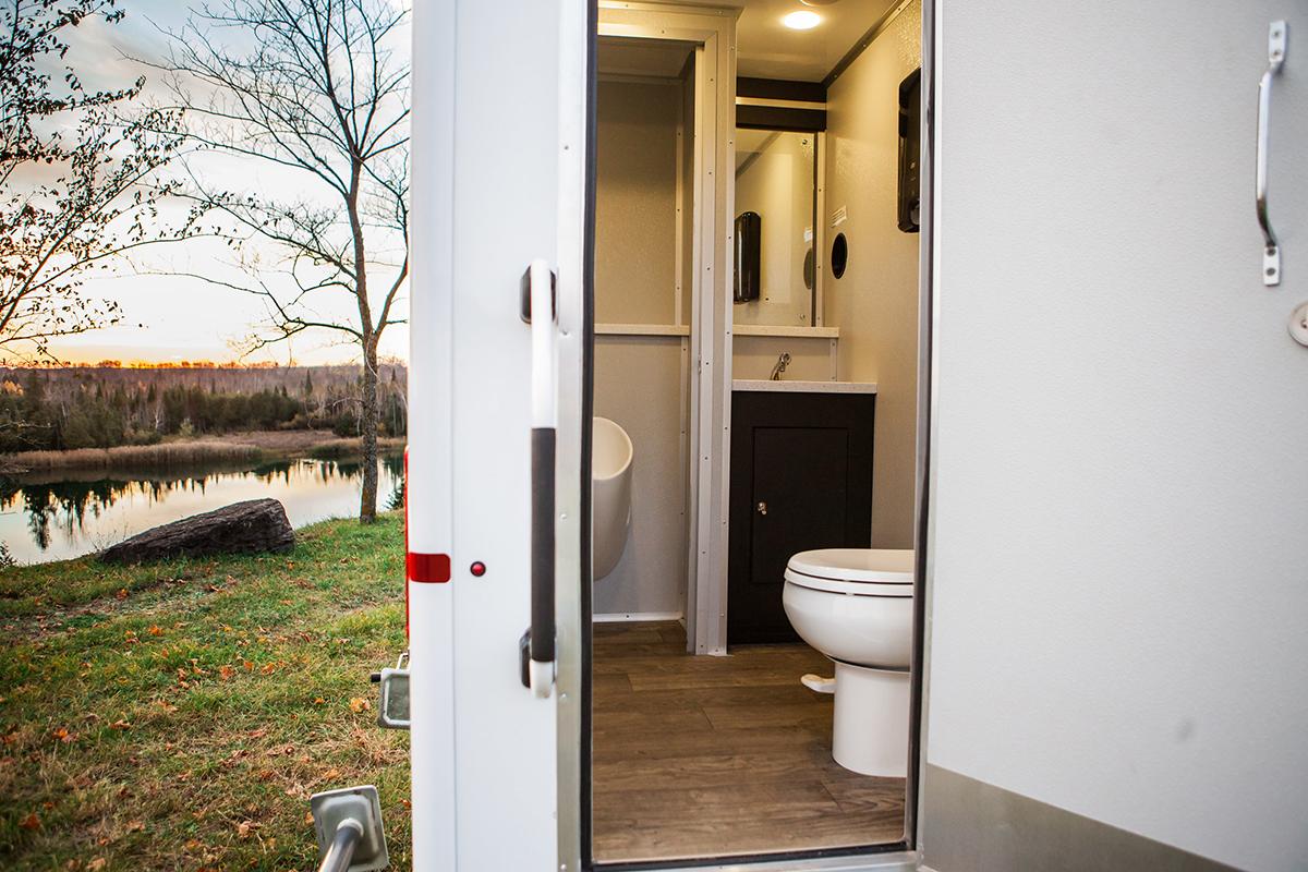 Image-1-Lavish-Portable-Restrooms.jpg
