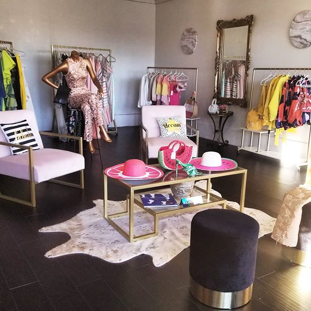 This space has become my sanctuary @shop_eshe 💋  #blessed #thankful #TheHappyStylist🤪