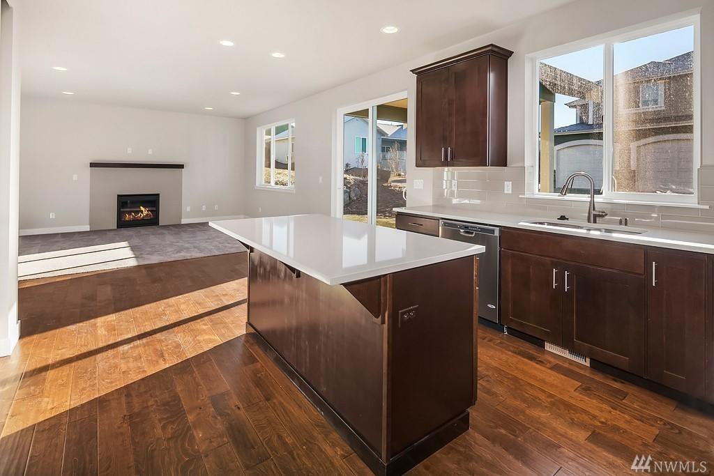 6110 37th Kitchen.jpg