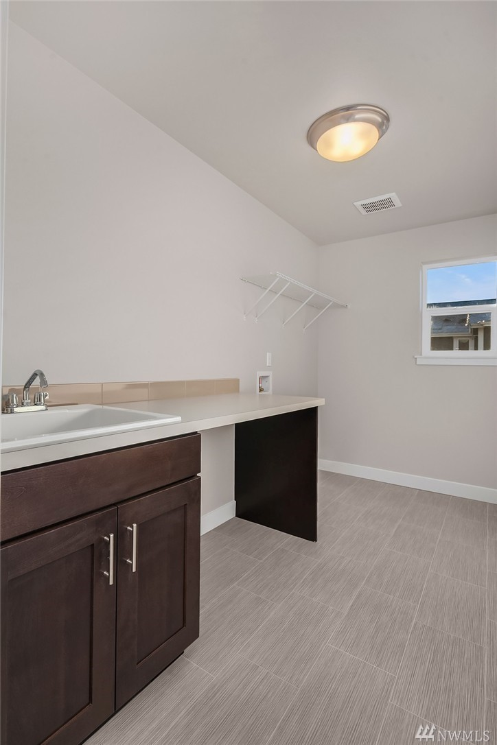 6110 37th Laundry with Sink.jpg