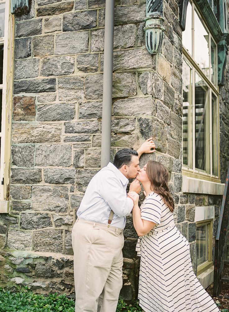 Spring Engagement Shoot at Oakbourne Mansion & Park | Lisamarieartistry.com (23 of 29).jpg
