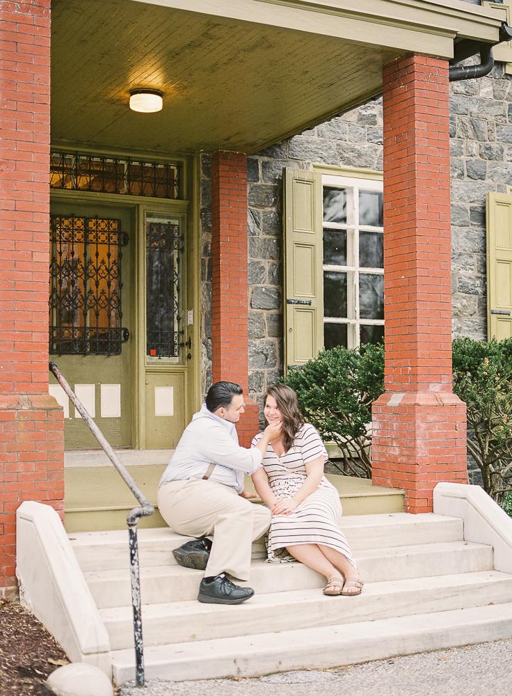 Spring Engagement Shoot at Oakbourne Mansion & Park | Lisamarieartistry.com (19 of 29).jpg