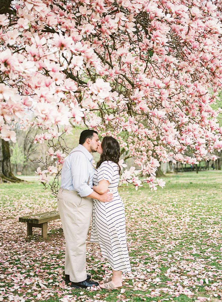 Spring Engagement Shoot at Oakbourne Mansion & Park | Lisamarieartistry.com (17 of 29).jpg