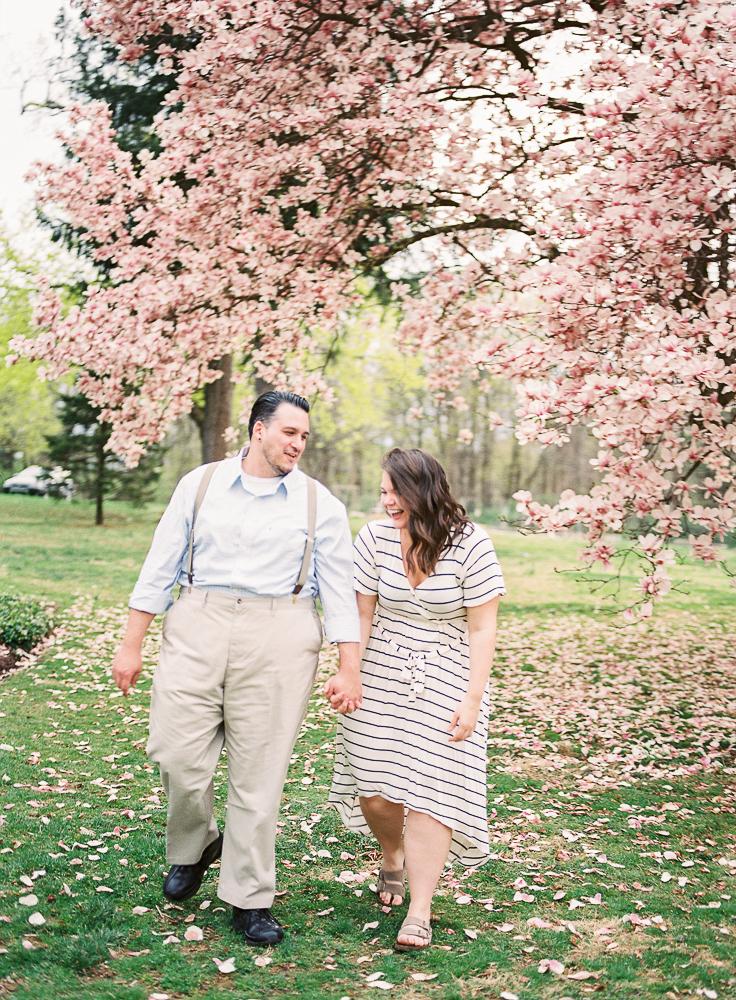 Spring Engagement Shoot at Oakbourne Mansion & Park | Lisamarieartistry.com (12 of 29).jpg