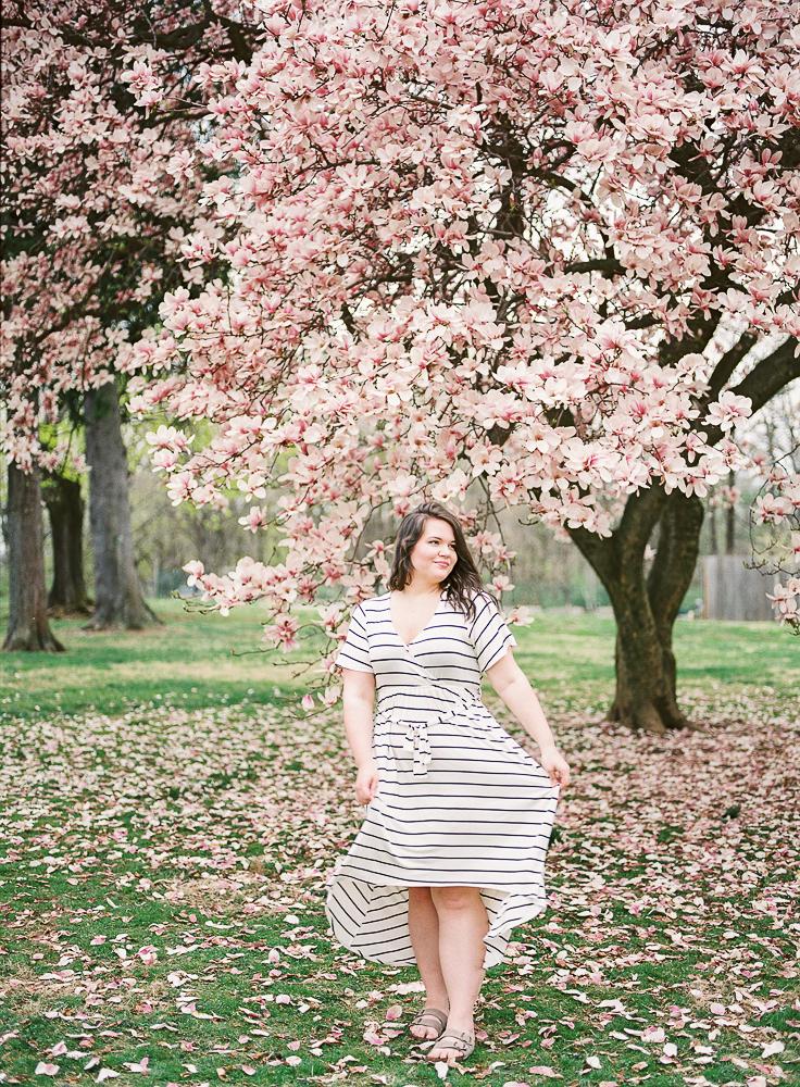 Spring Engagement Shoot at Oakbourne Mansion & Park | Lisamarieartistry.com (4 of 29).jpg