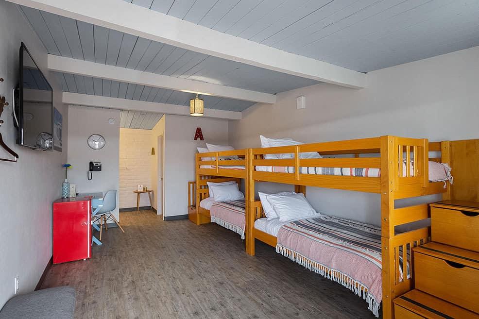 hotel-mccoy-bunk-room-1.jpg