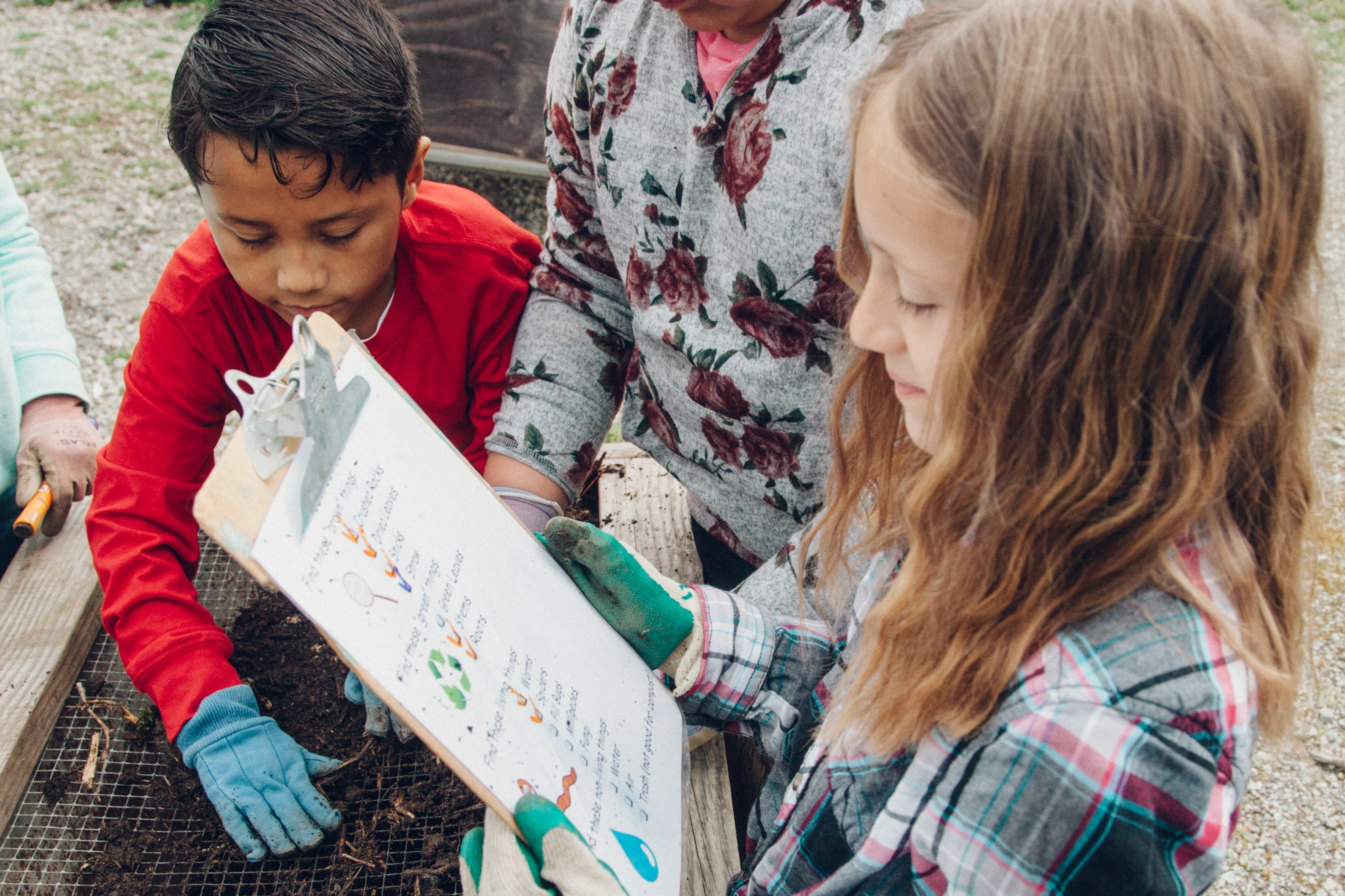 Field Trips at the San Mateo County School Farm are designed to reinforce inquiry based science learning. We use the farm as an outdoor classroom to explore, make observations, ask questions, and wonder about the natural world around us. -