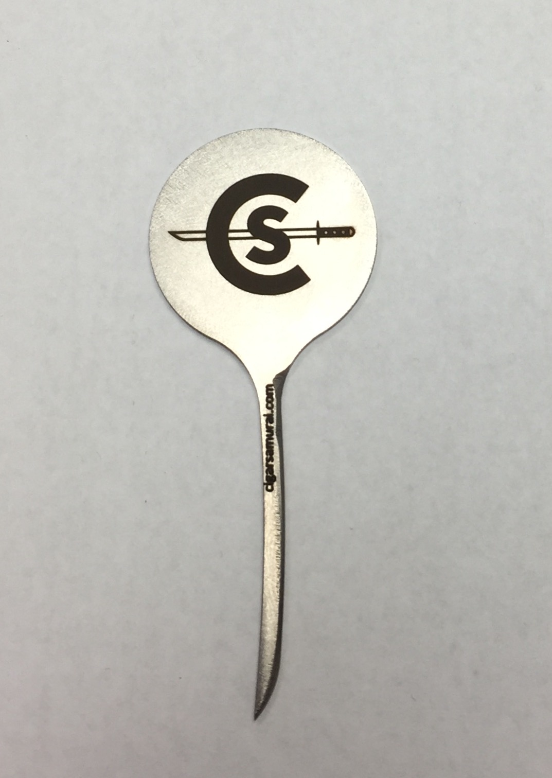 The Cigar Samurai Flat pick has room for a logo and writing on both sides of the coin area.