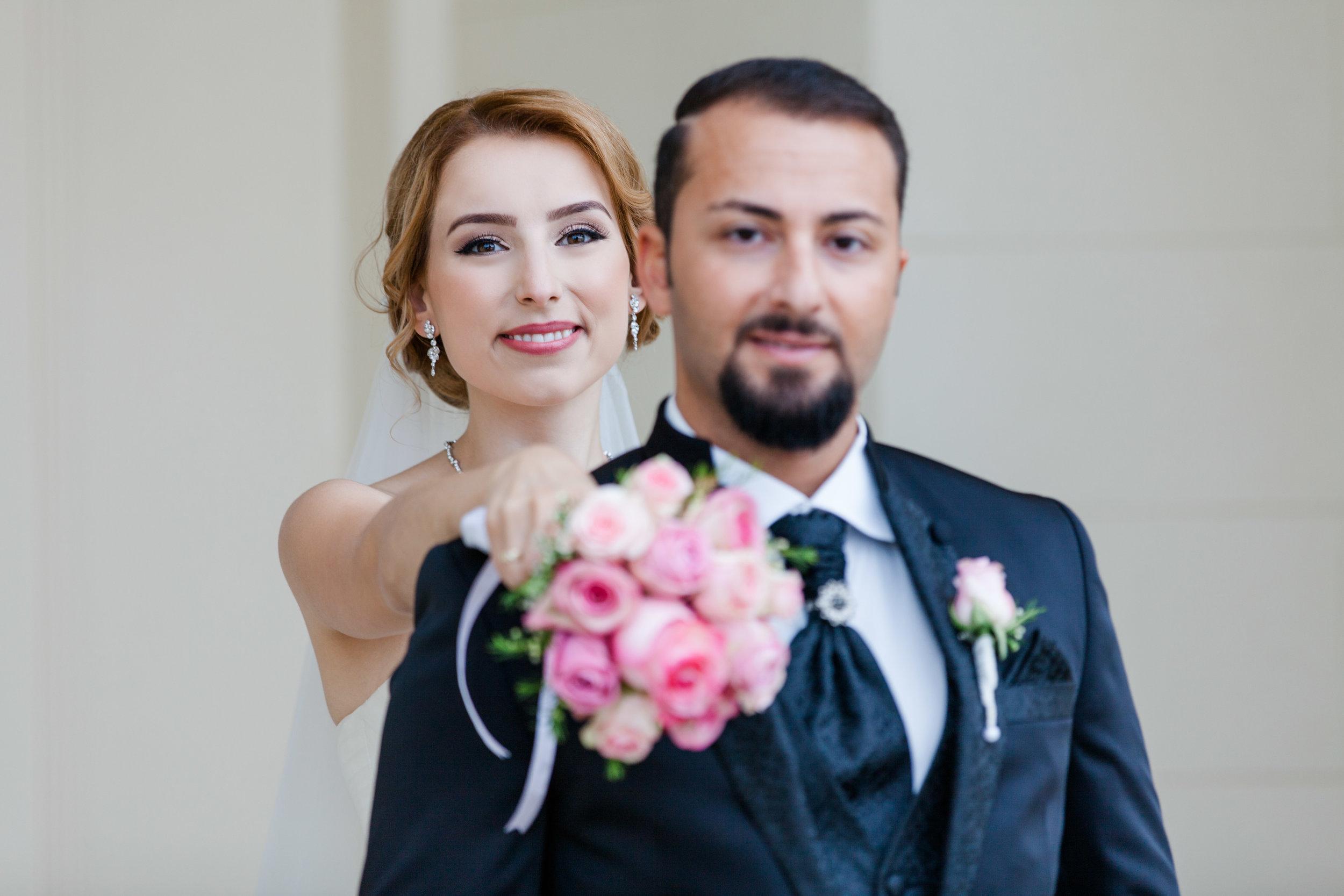 Ein Hoch auf den Sommer mit dieser traumhaft schöne Hochzeit von Merve und Farshad.