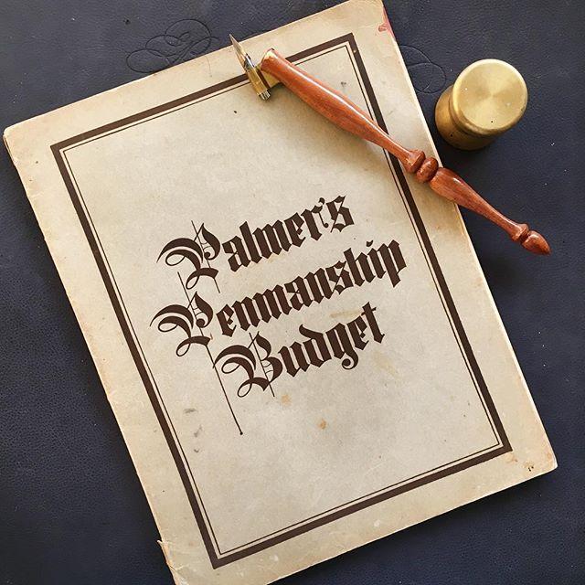 Oh! Very happy mail day to me 😀🎉🖋📖 1924 edition #palmerpenmanship #ornamentalpenmanship #iampeth #spencerian #penmanship