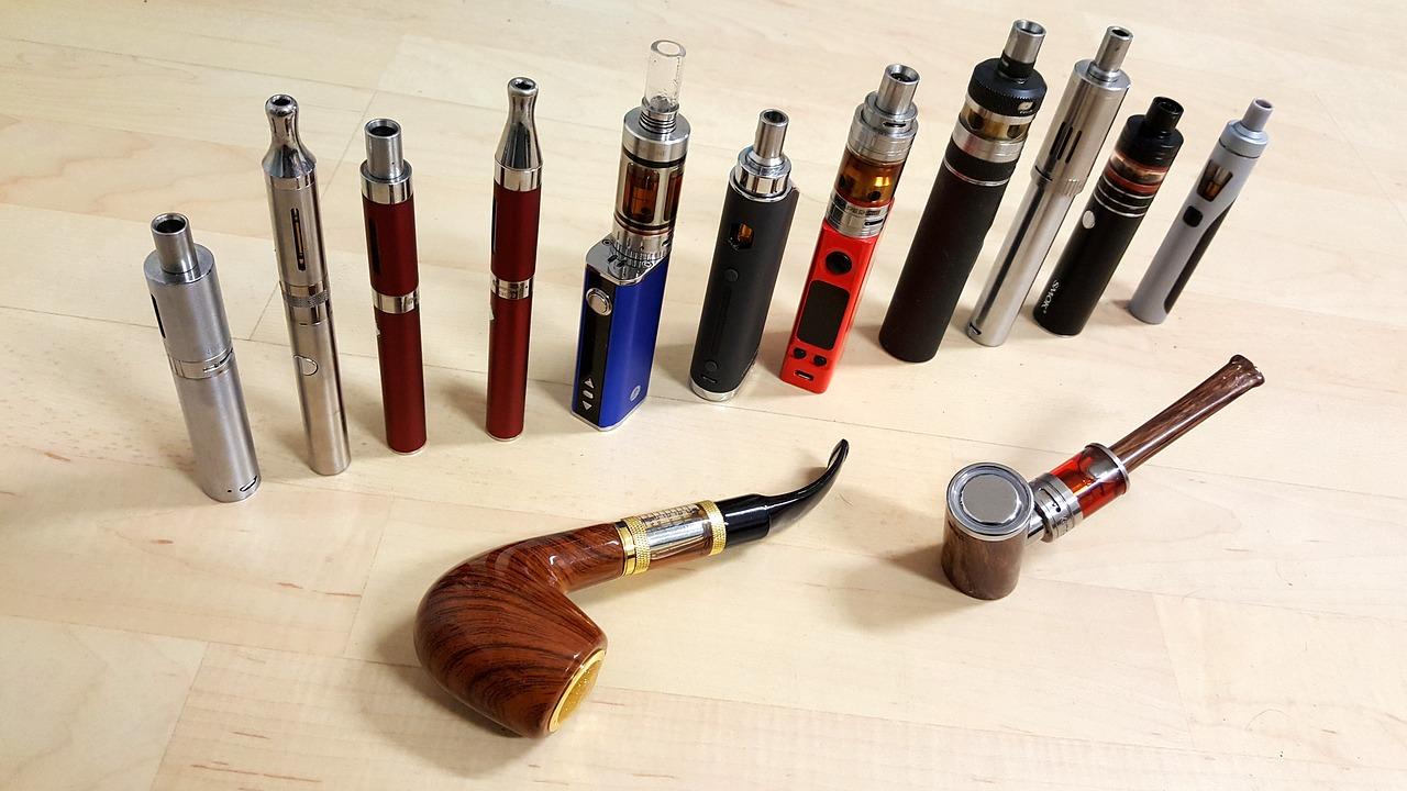 e-cigarette-collection-3159700_1280.jpg