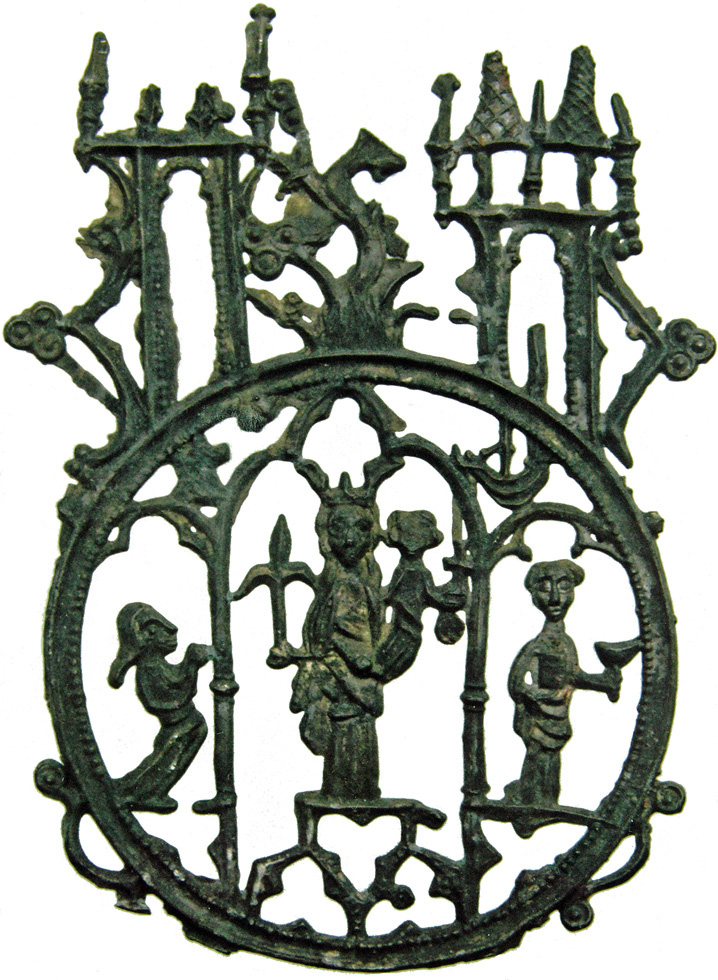 Fig. 4: Badge with the Virgin flanked by Saint John the Evangelist and a pilgrim, above: the tree of Den Bosch between two towers, Den Bosch, found in Mechelen, lead-tin alloy, 83 x 61 mm, Mechelse Vereniging voor Archeologie, PT-109-36-1 (HP3 2560)