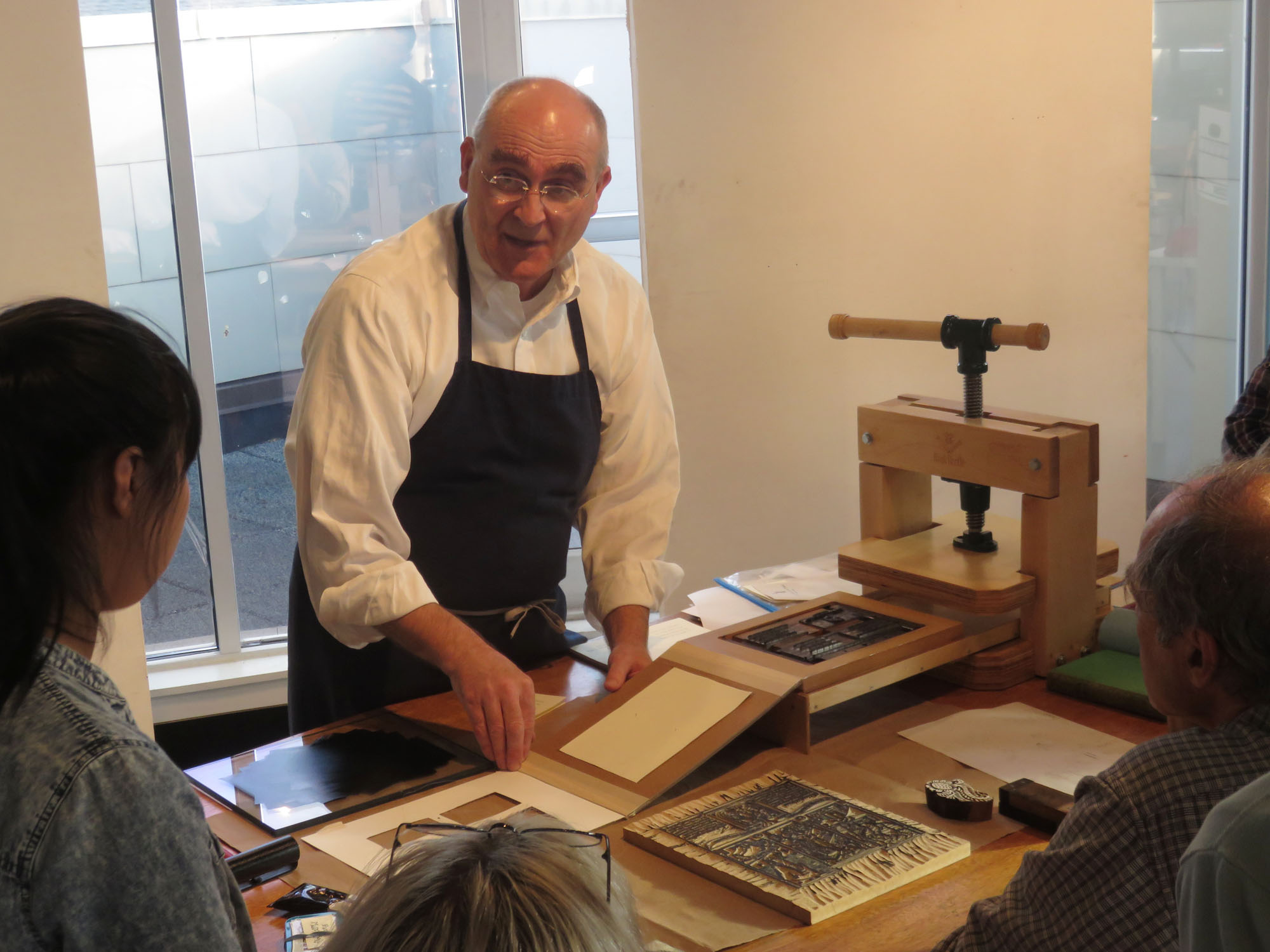 Teaching the history of the book and printing with the BookBeetle.