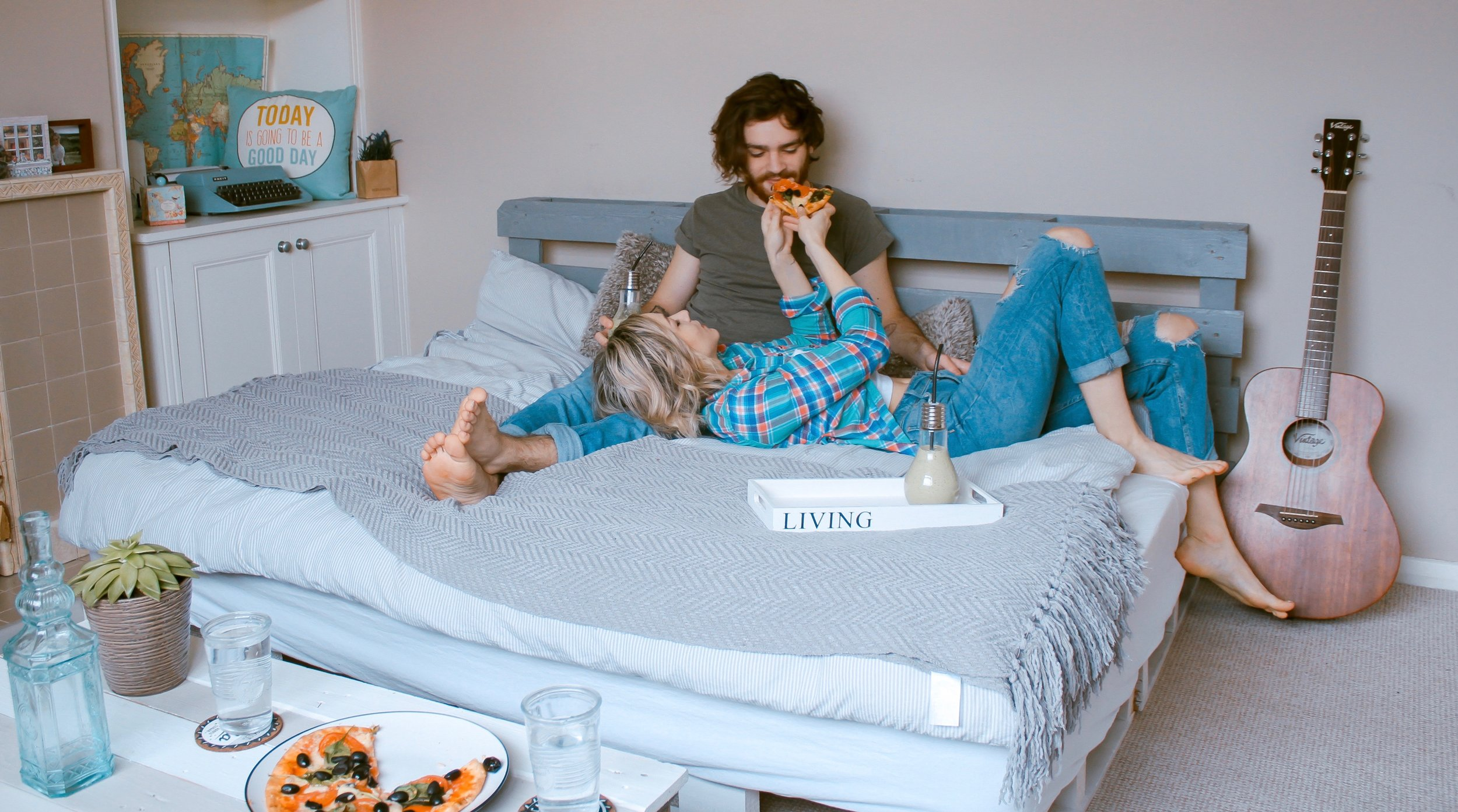 Dating while living at home in Los Angeles