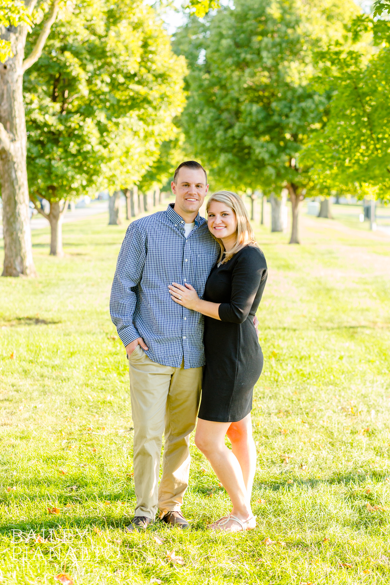 Classic Kansas City Summer Engagement Session | National WWI Museum & Memorial