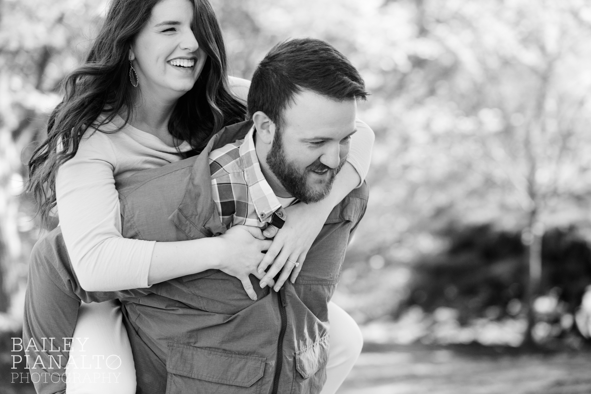 Green, Blue, and Mustard Spring Engagement Session Outfit Inspiration at the Nelson-Atkins Museum | Kansas City, MO