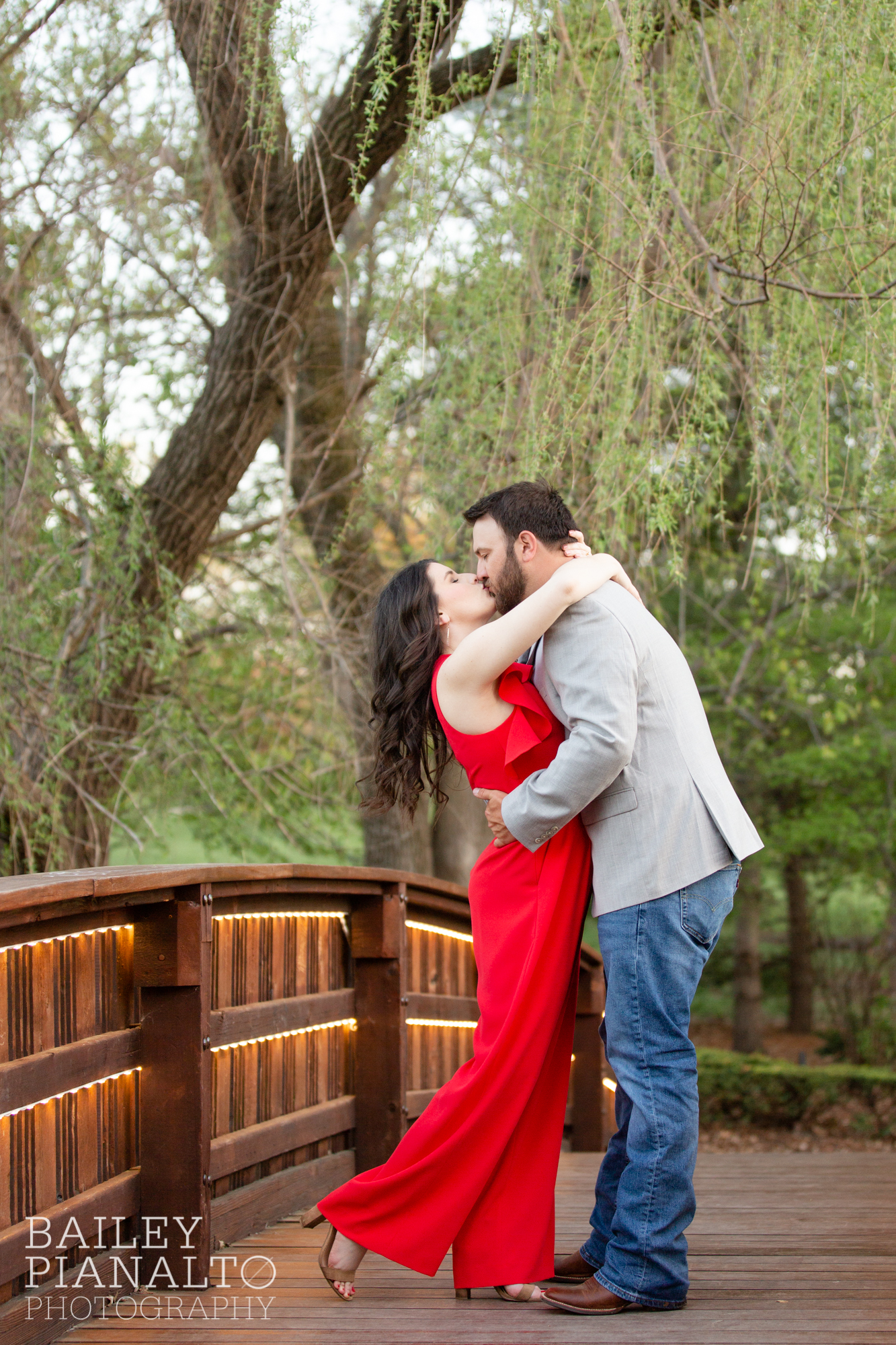 Red, Blue, and Gray Spring Sunset Engagement Session Outfit Inspiration at Loose Park | Kansas City, MO