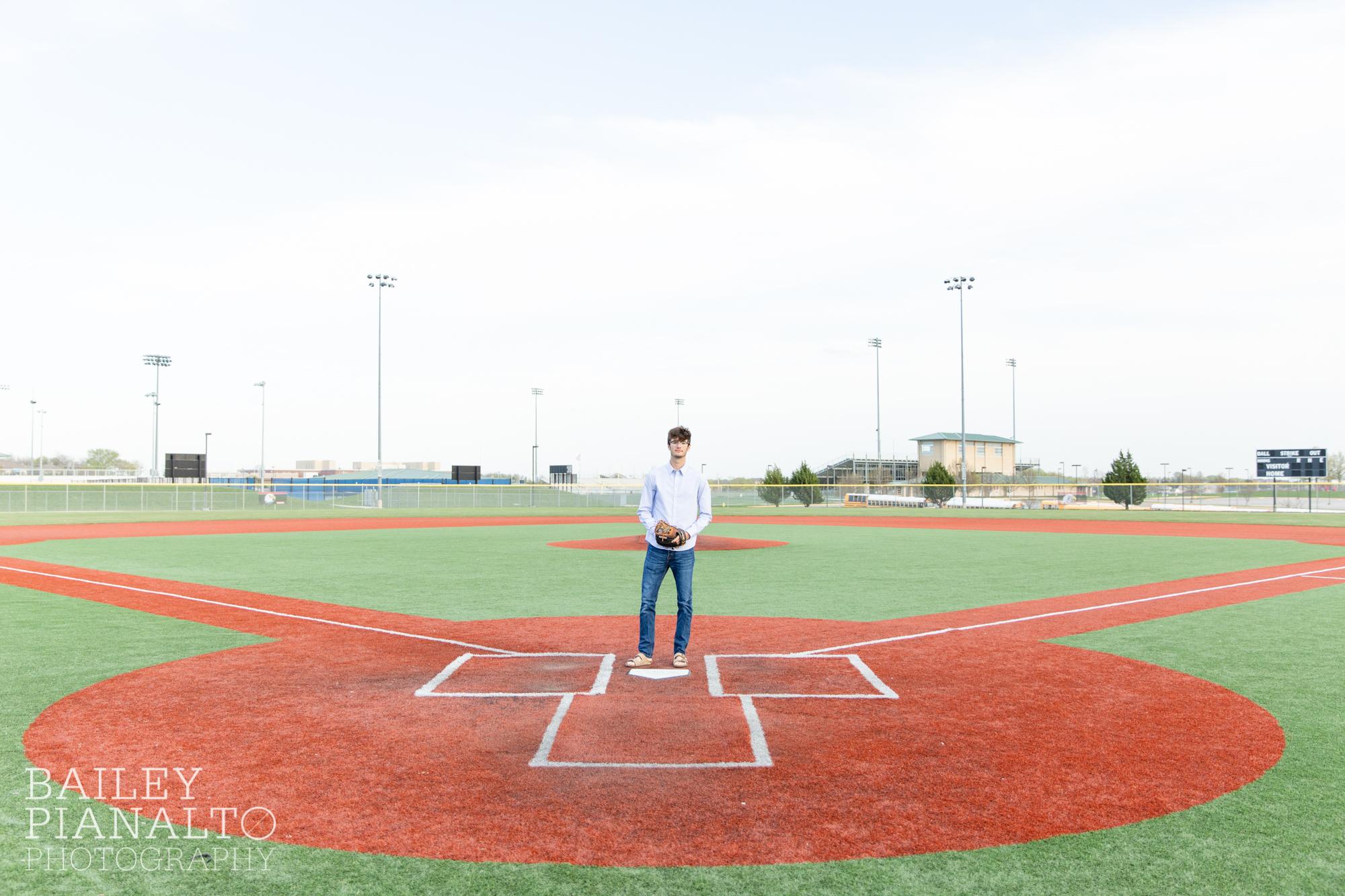classy baseball senior session inspiration