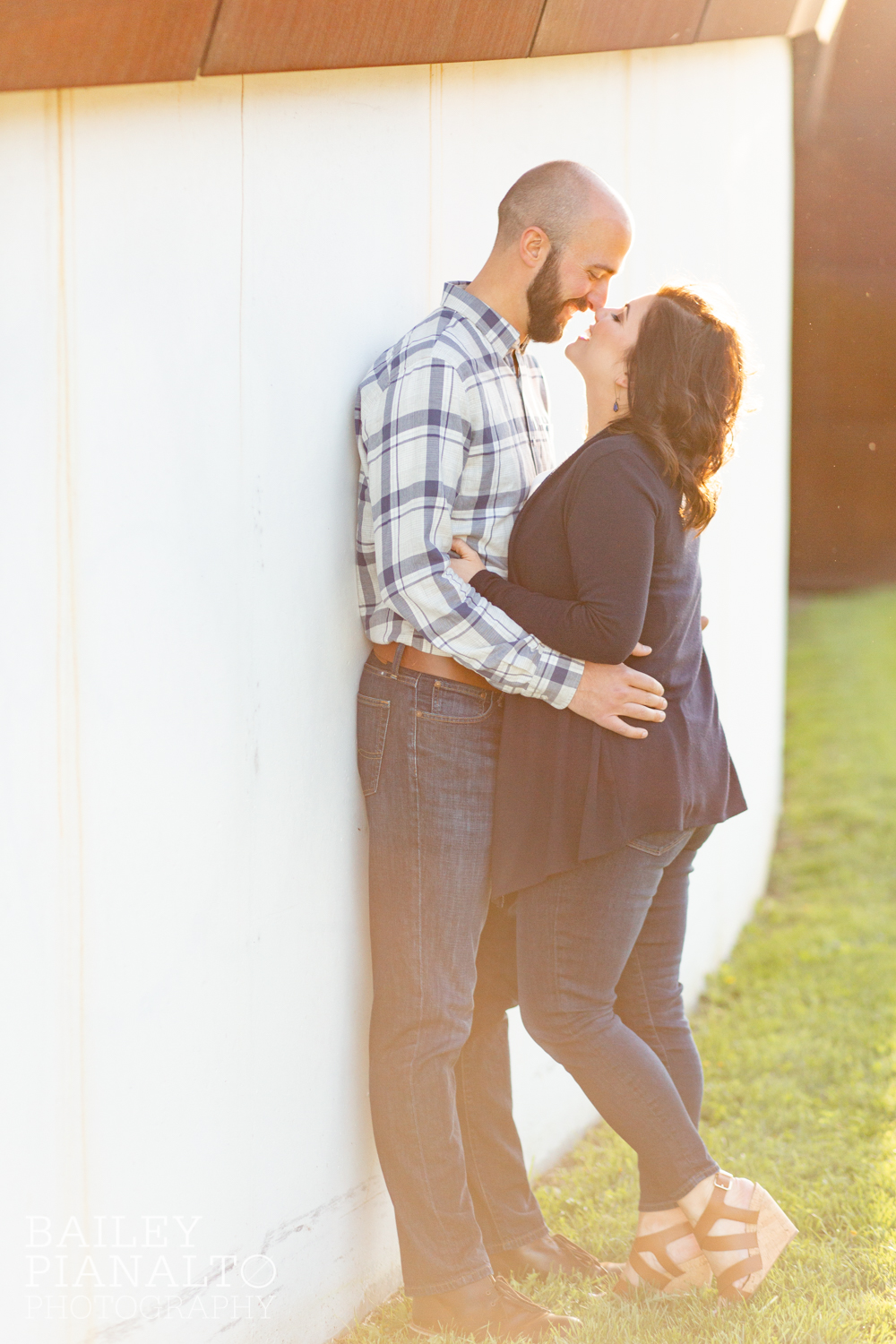 Navy & Cream Casual Spring Downtown Engagement Session Inspiration | Kansas City, MO