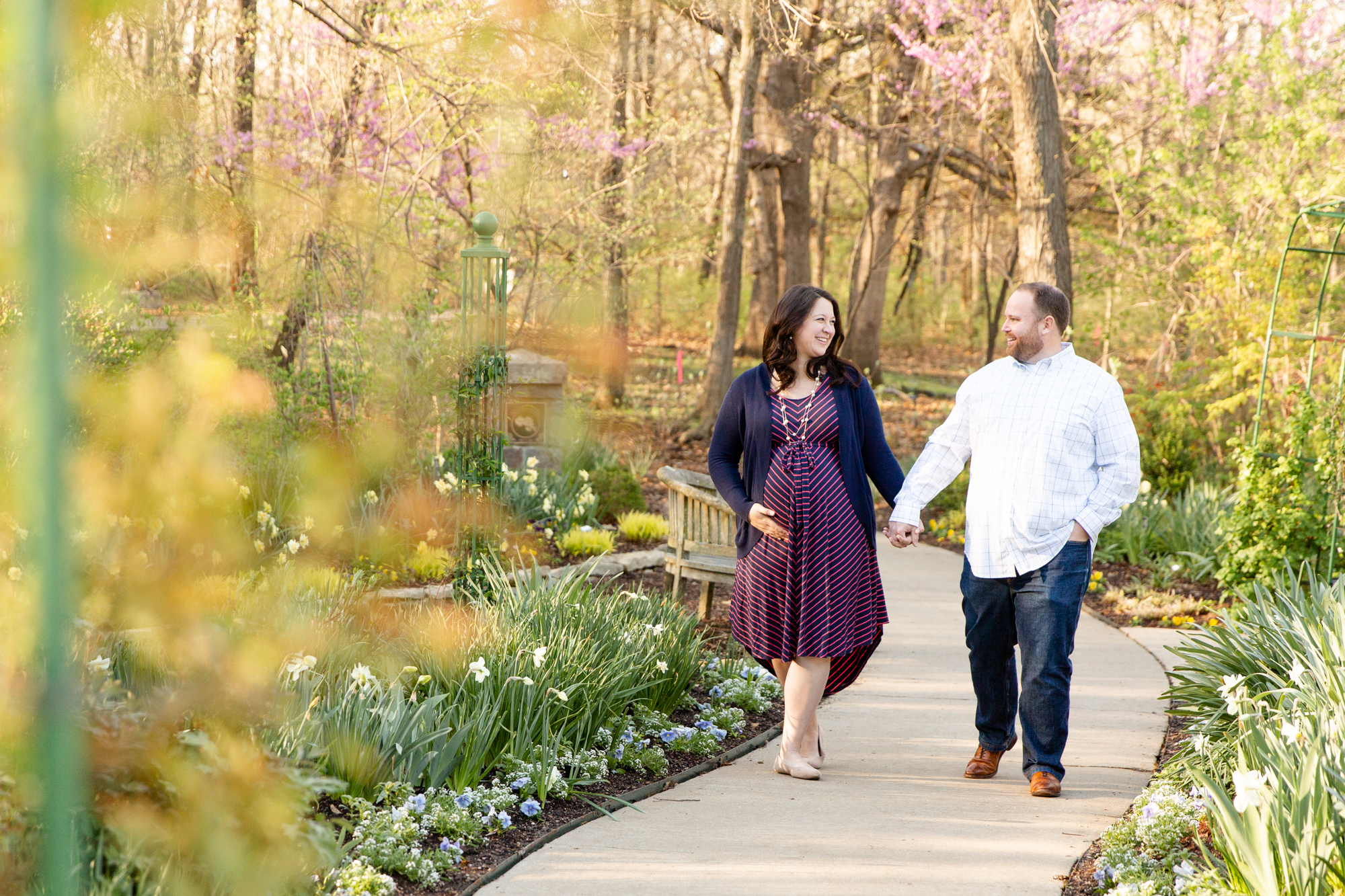 Pink & Navy Spring Sunrise Maternity Session at the Overland Park Arboretum and Botanical Gardens | Kansas