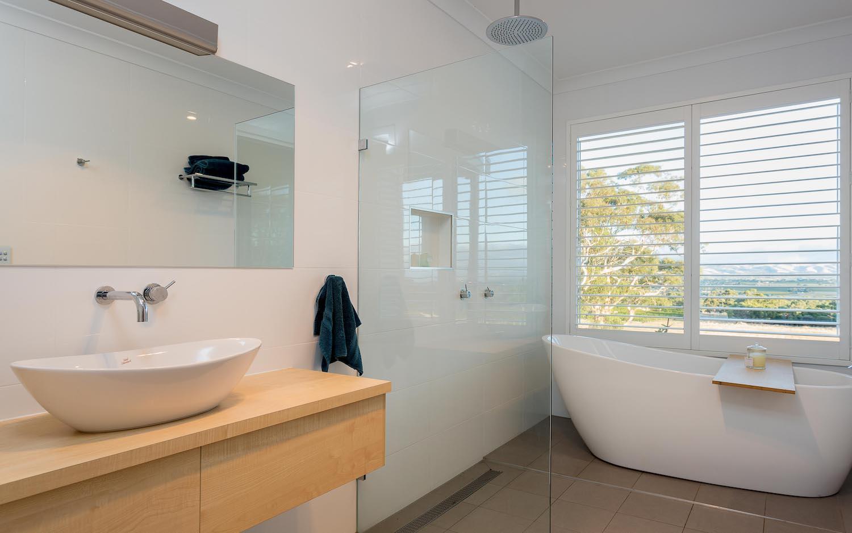 interiors-bathrooms-05.jpg