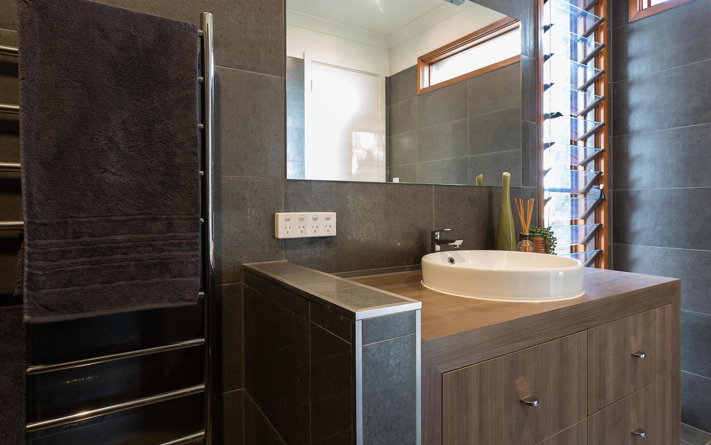 interiors-bathrooms-07.jpg
