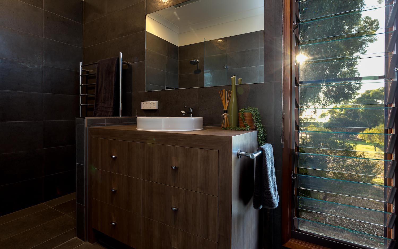 interiors-bathrooms-08.jpg