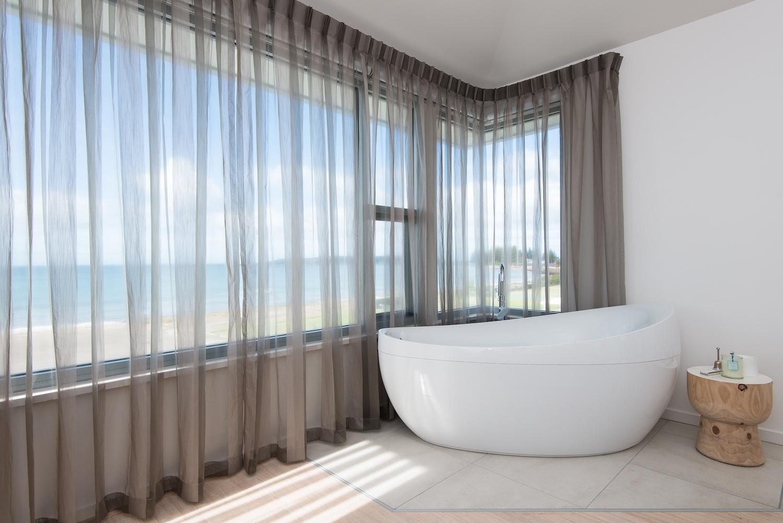 interiors-bathrooms-21.jpg