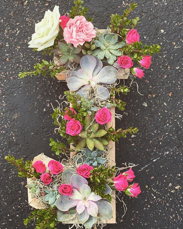 A fun little custom piece for a baby shower.  #succulents #babyshowerflowers #pinkroses #mnfloraldesigner #mnflorist #weddingflorist #watertownmn #stefaniebeilbydesign