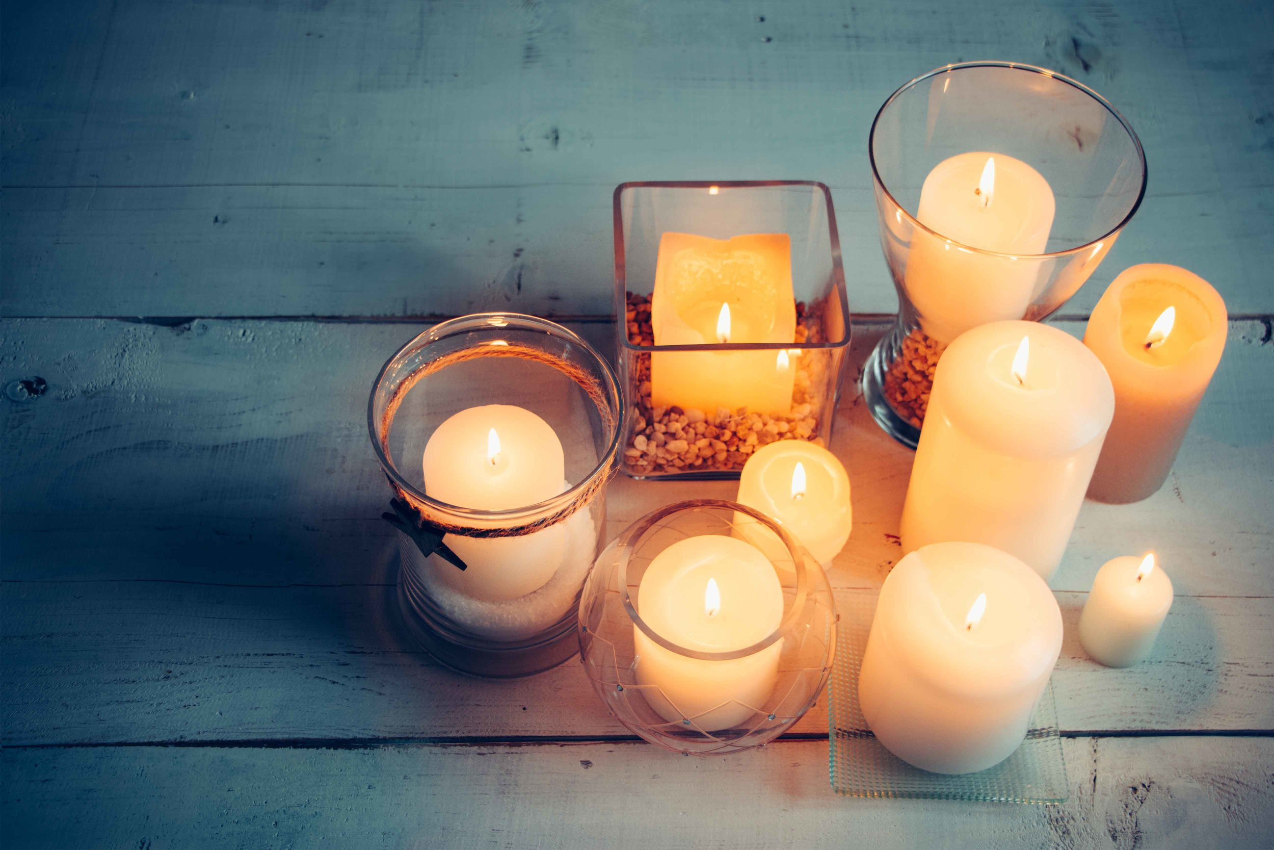 Tips for Finding a Non-Toxic Candle. Learn more at www.shechangeseverything.com