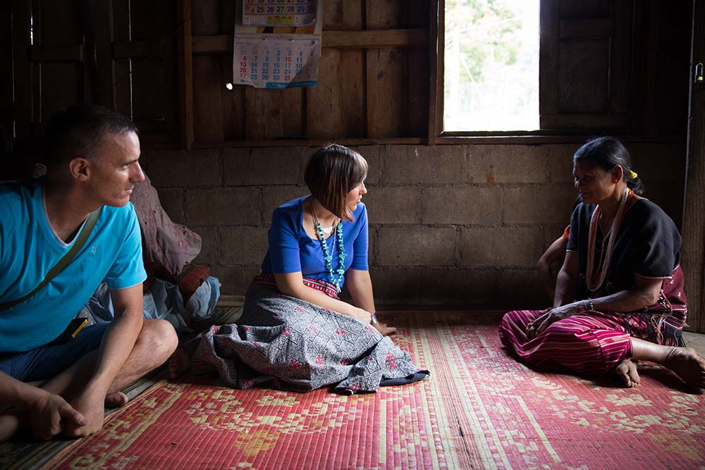 Chatting with Dia's mother in the Karen Village (Baan Pha Mon).Dia is the master tailor and co-op coordinater in Chom Thong Village.