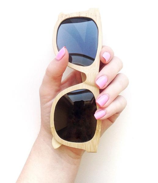 The Wayfarer Style is designed for men and women. The bamboo sunglasses come with a bamboo case and organic cotton pouch.