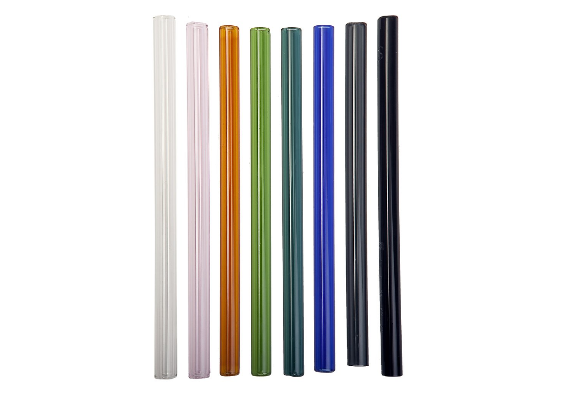 SIMPLY STRAWS OFFERS MULTIPLE COLORS, BUT ALSO BRUSH CLEANERS (YES!) AND LIDS AS WELL.