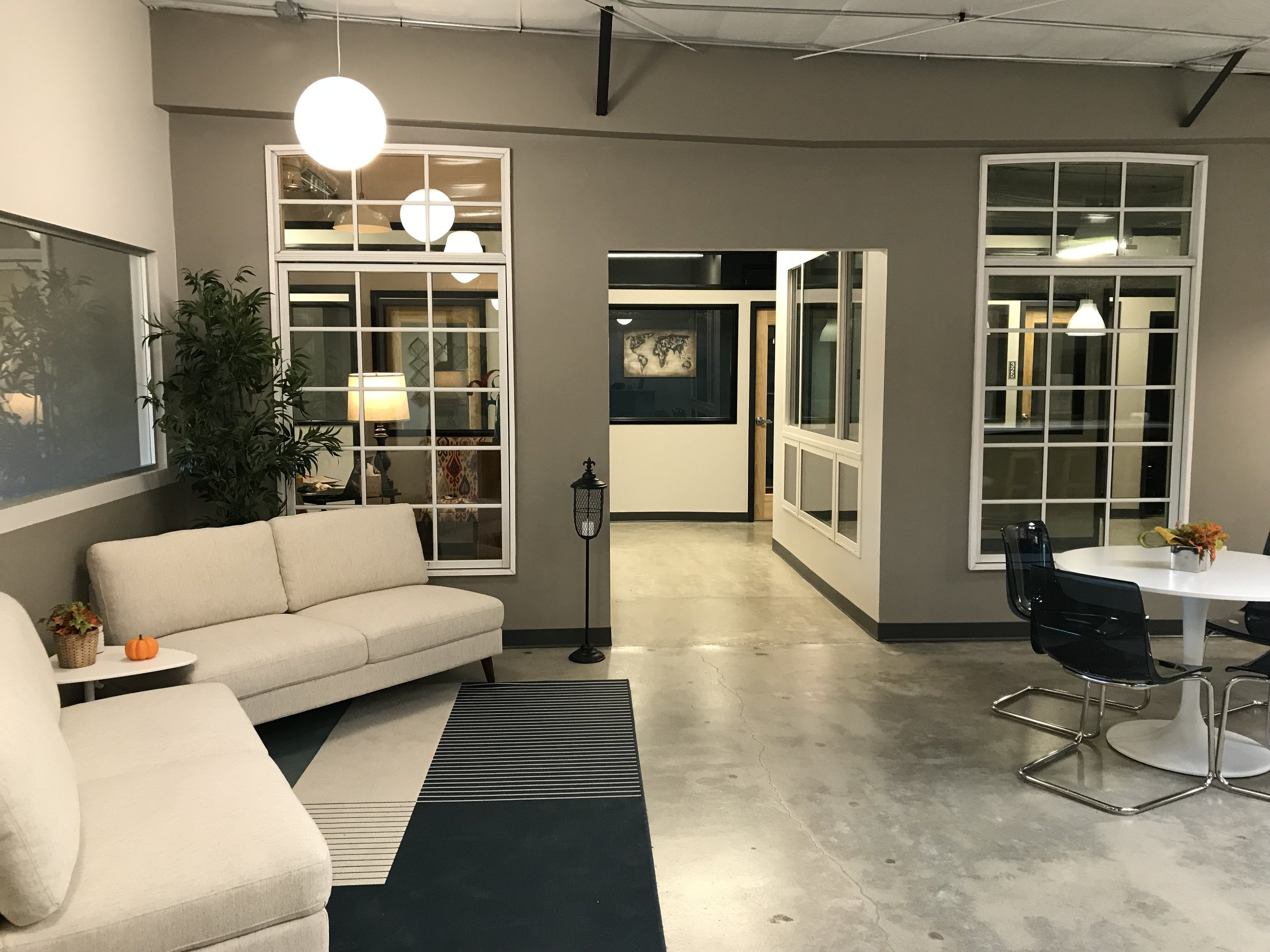 NEW 30 PRIVATE OFFICE COLLORABITIVE WORK SPACE