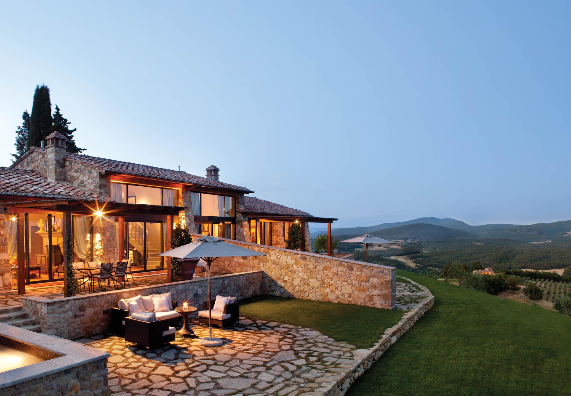 castello-di-casole-hotel-villa-scuola-exterior wide-_1960x1360.jpg