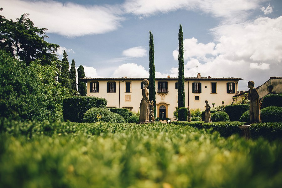 001-villa-le-piazzole-tuscany-wedding-photographer.jpg