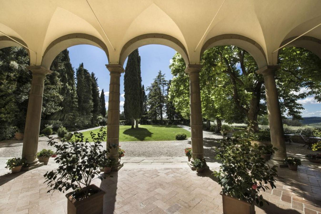 villa-il-poggiale_10_garden.jpg