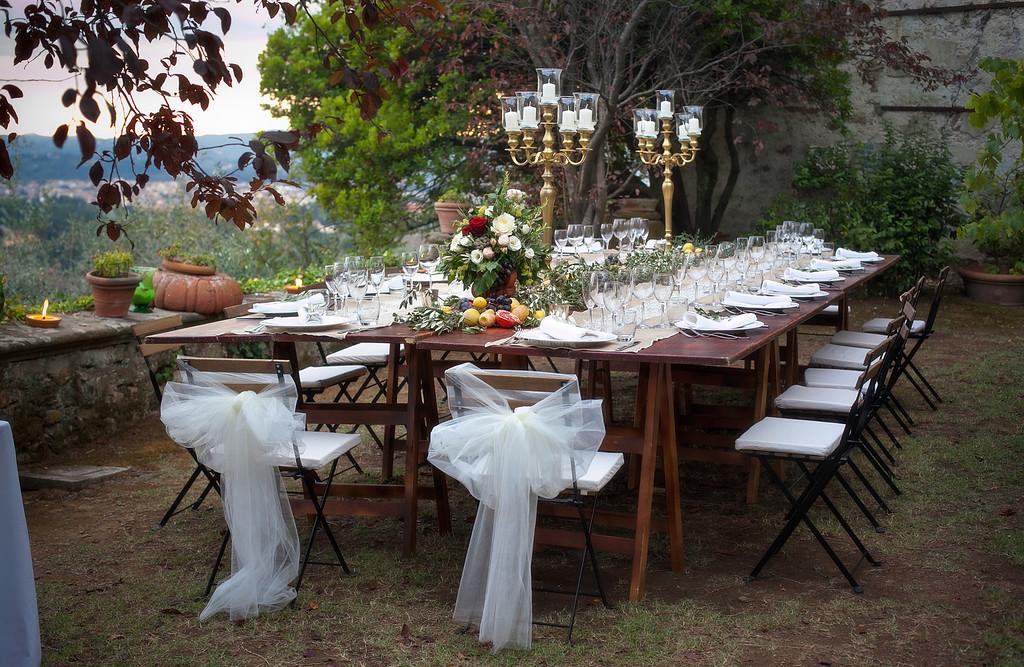 beautiful-intimate-tuscan-wedding-lunch.jpg