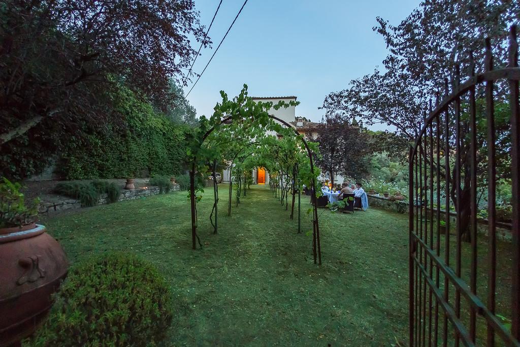 garden-wedding-in-tuscany.jpg
