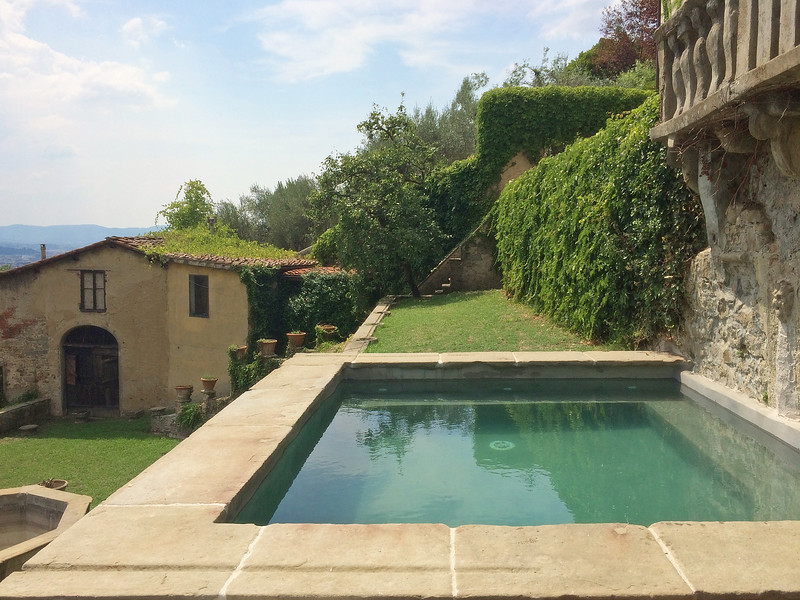 villa-with-pool-for-weddings-in-tuscany.jpg