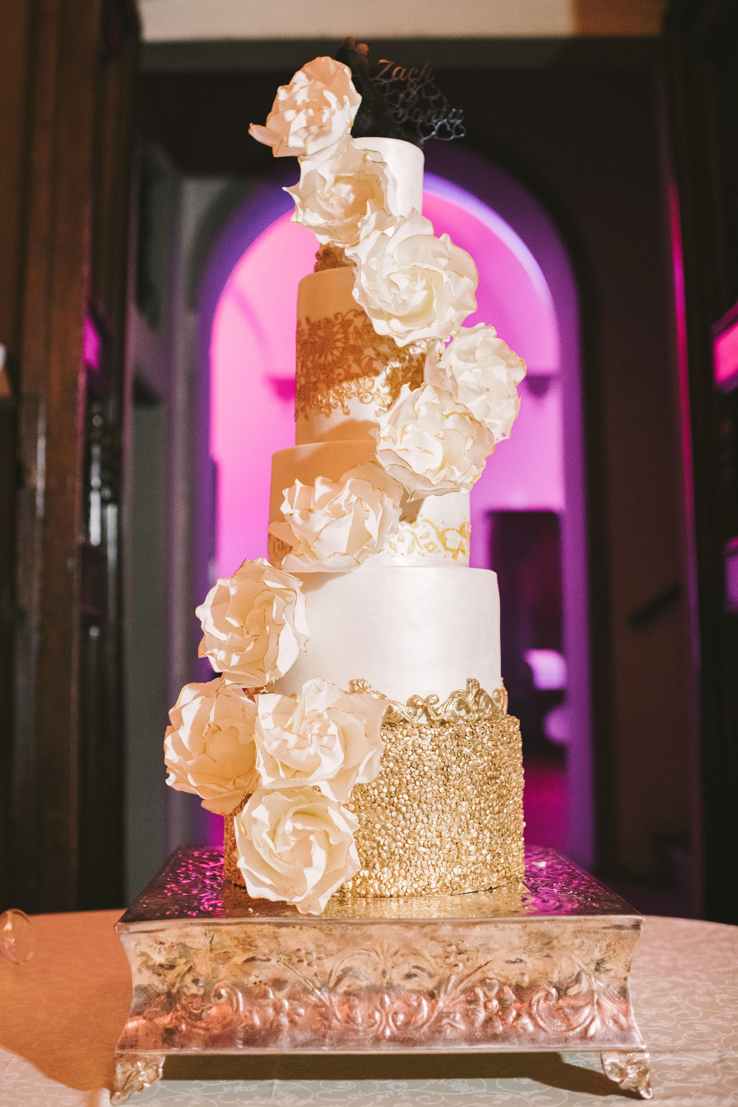 incredible_wedding_cake.jpg
