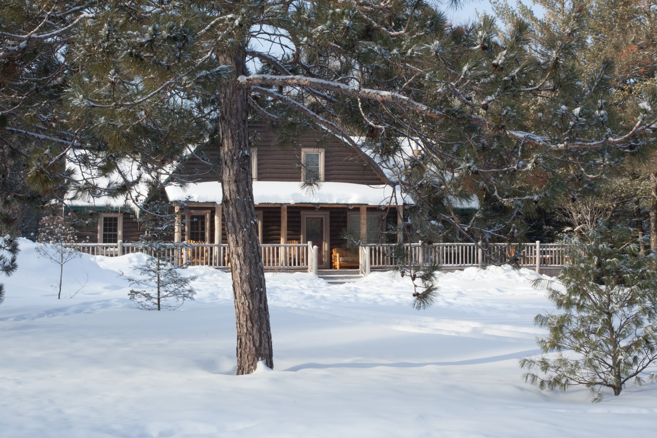lodge.winter.new.great.ext.jan17.jpg