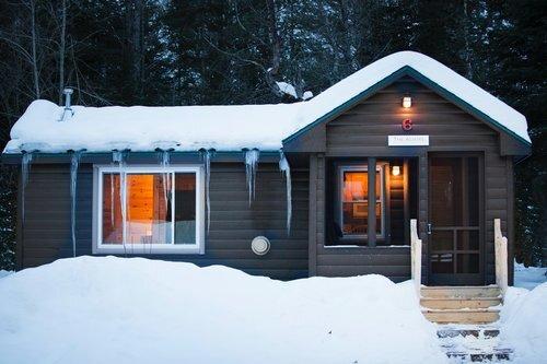 Au Sable Riverview Resort Log Vacation Cabin 6 winter Grayling 2.jpg