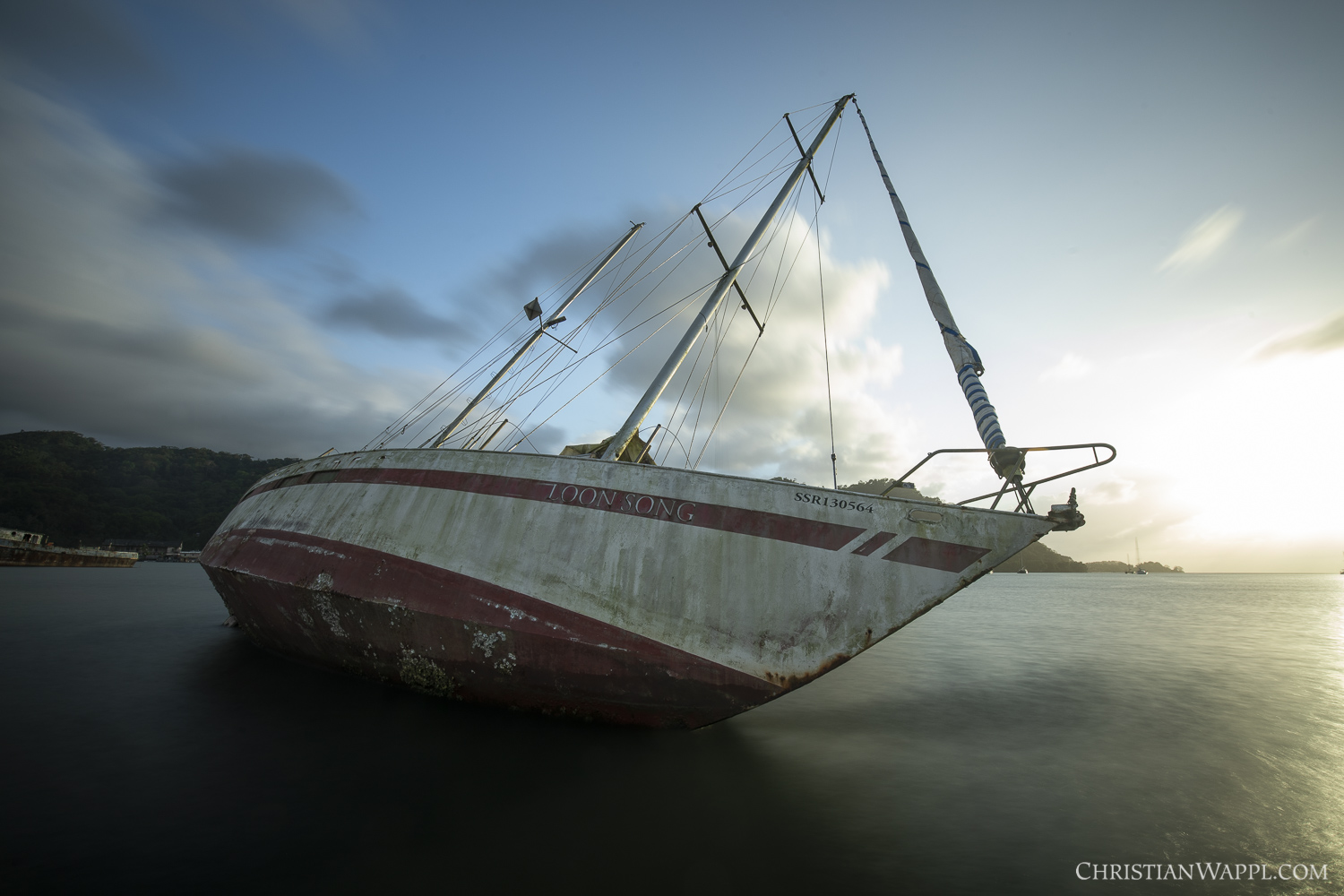 Wreck of the SY  Loonsong , Panama