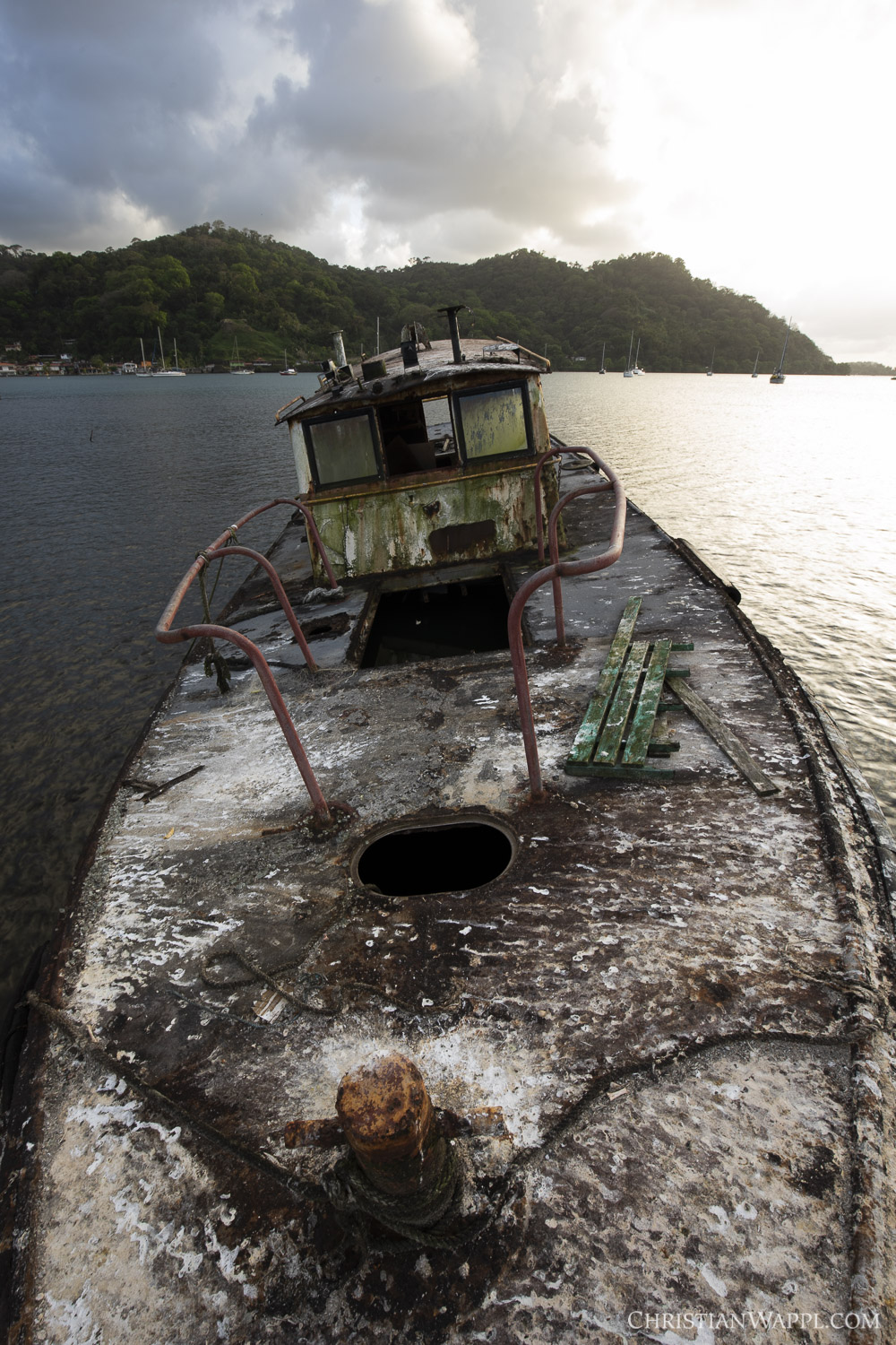 Shipwreck coated in bird excrements